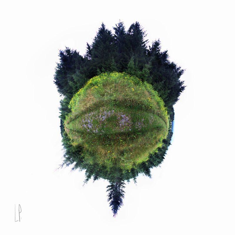 Le regard sur le monde / Luc Pallegoix, 2016. Série : Les petits mondes. Encre pigmentaire sur papier Moab blanc 300 gr. Disponible en grand format |50 x 50 cm 15 ex.| ou moyen format | 23 x 23 cm 30 ex. |